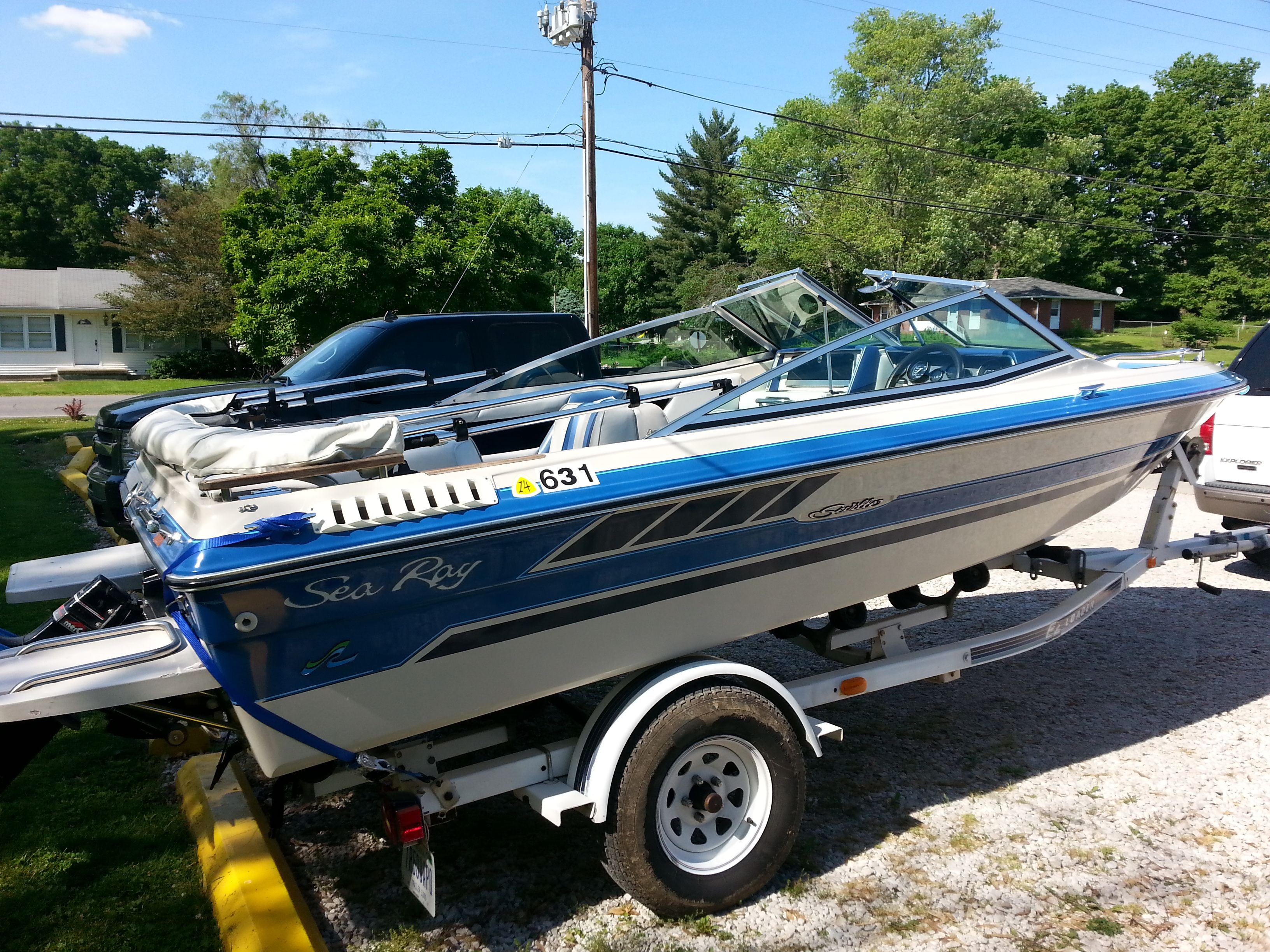 1987 Sea Ray w/ EZ Loader bumper trailer Great starter boat or smaller  family boat!!! Runs flawlessly and has plenty of power! For sale if  interested!