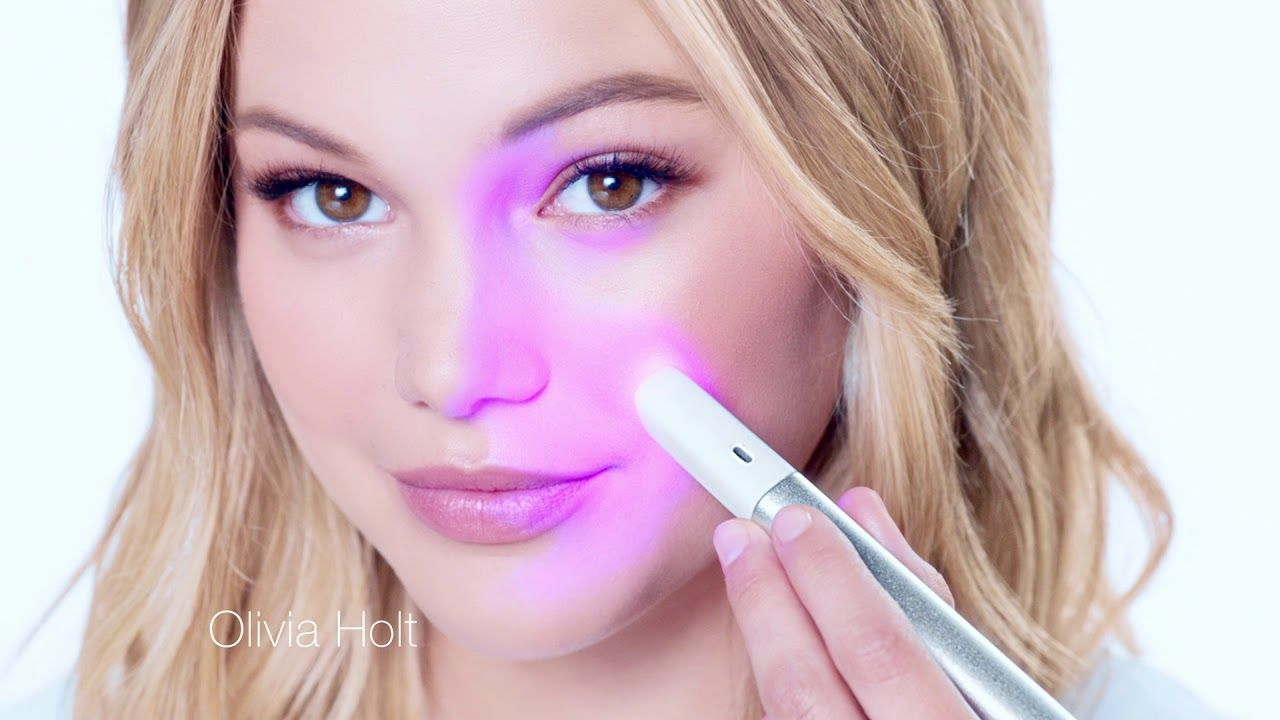 Olivia Holt Uses Blue Red Light Therapy To Treat Acne