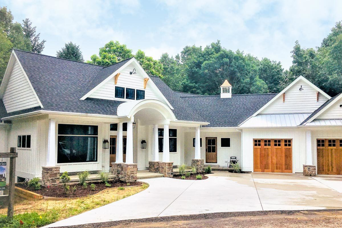 Plan 18296be Flexible 2 Bed Country Craftsman Home With Vaulted Living White Farmhouse Exterior Craftsman House Farmhouse Exterior