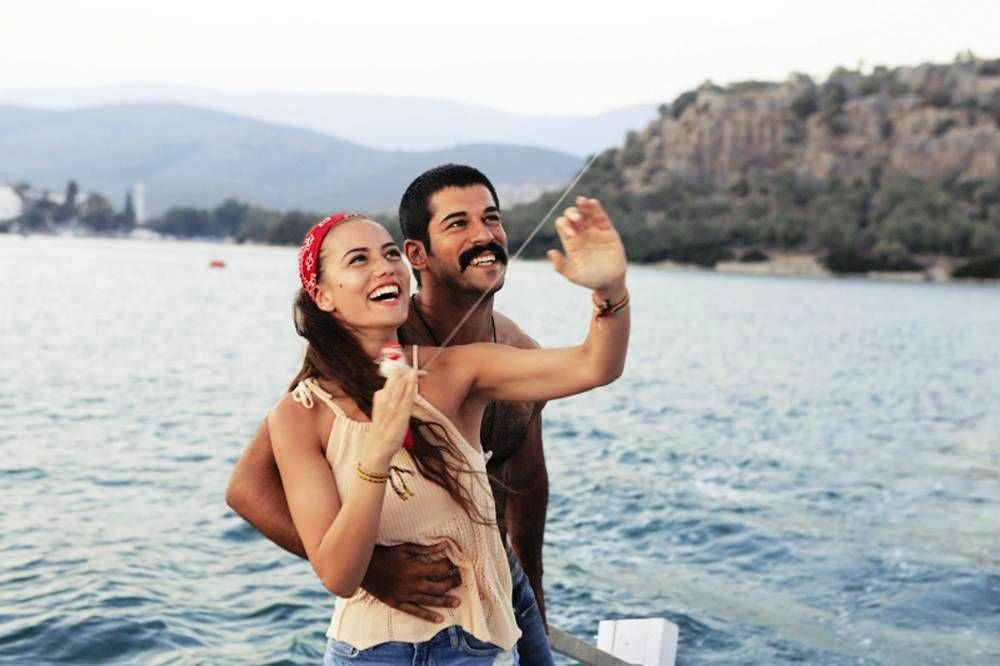 Burak Ozcivit And Fahriye Evcen Burak Ozcivit Couple Photos Movies