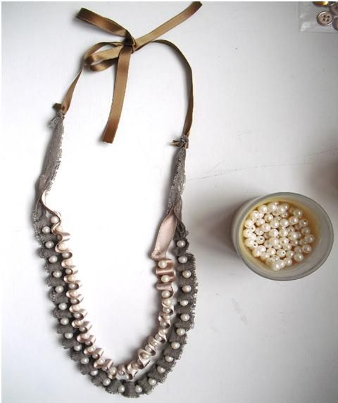 DIY simple ribbon and pearl necklace