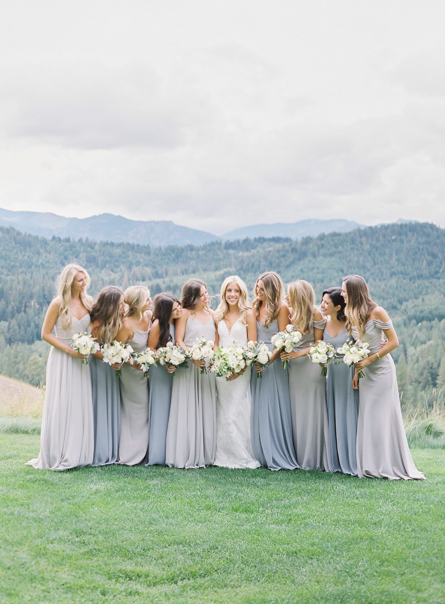 A Beautiful Blue And Cream Mountain Wedding At Suncadia Resort Mountain Wedding Dress Mountain Wedding Color Summer Weddings Bridesmaids [ 2000 x 1472 Pixel ]
