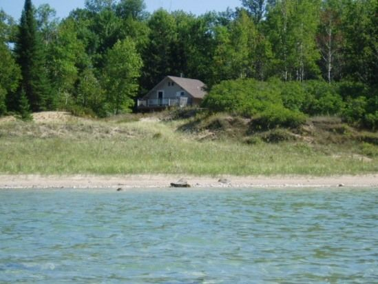 cottage on lake michigan close to torch lake 1000 week dogs allowed rh pinterest cl