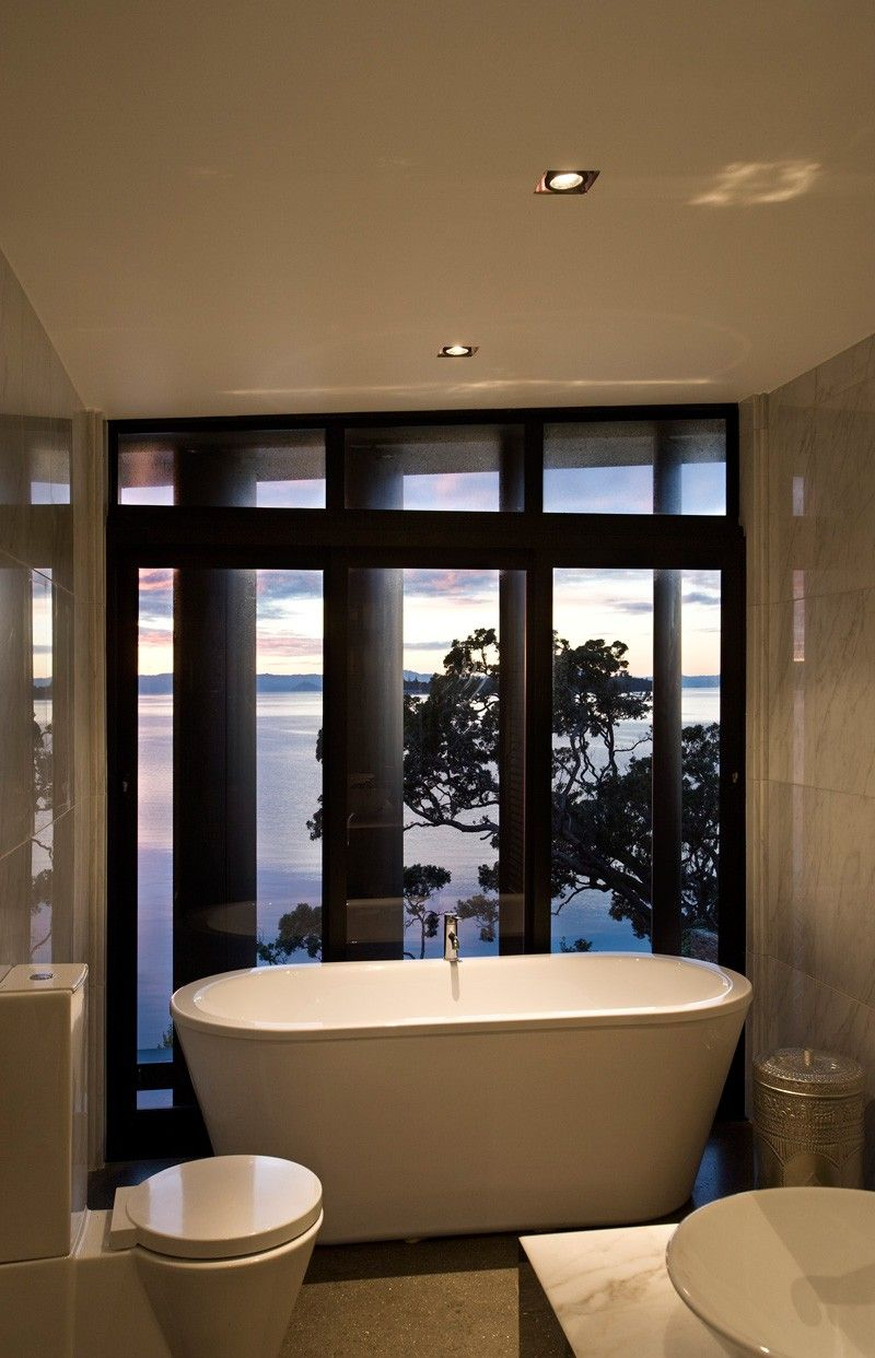 Daniel Marshall Architects Design A Home Overlooking The Bay