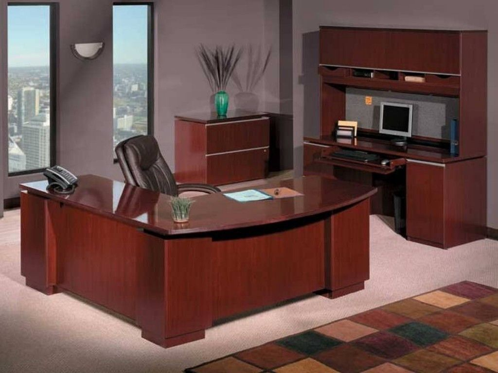 Best Executive Office Desk Decorating Executive Office Desk With Regard To Executive Office Desk Decor 34670