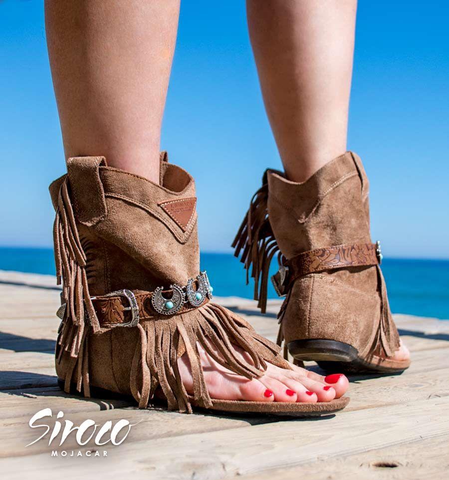 c115f464b27 #Botas #sandalias... con ese aire #bohemio que nos encanta para