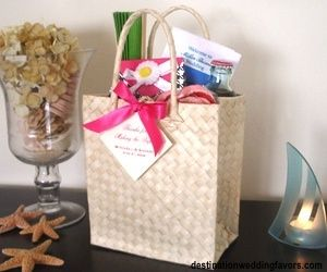 what to include in your you welcome bag @Jordan Tonn