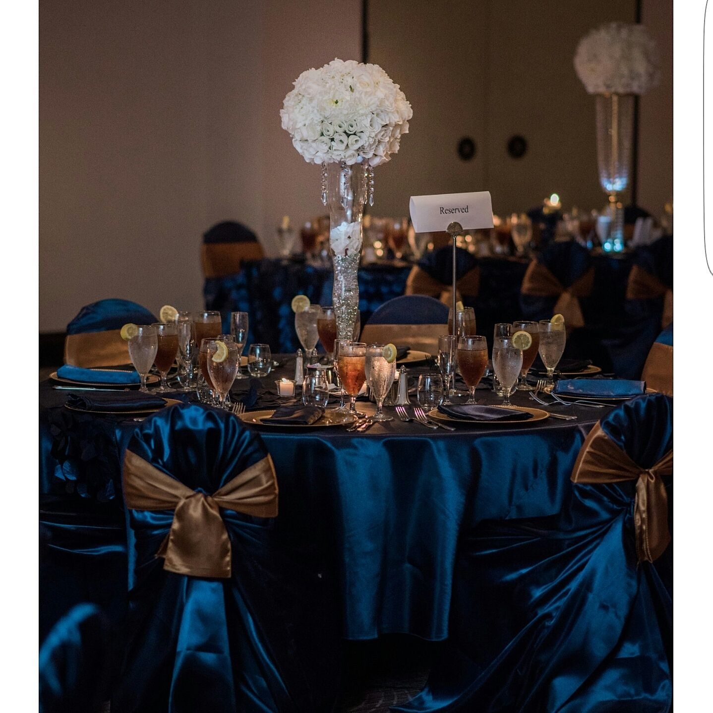 Gold Wedding Reception: Beautiful Navy Blue And Gold Wedding Reception