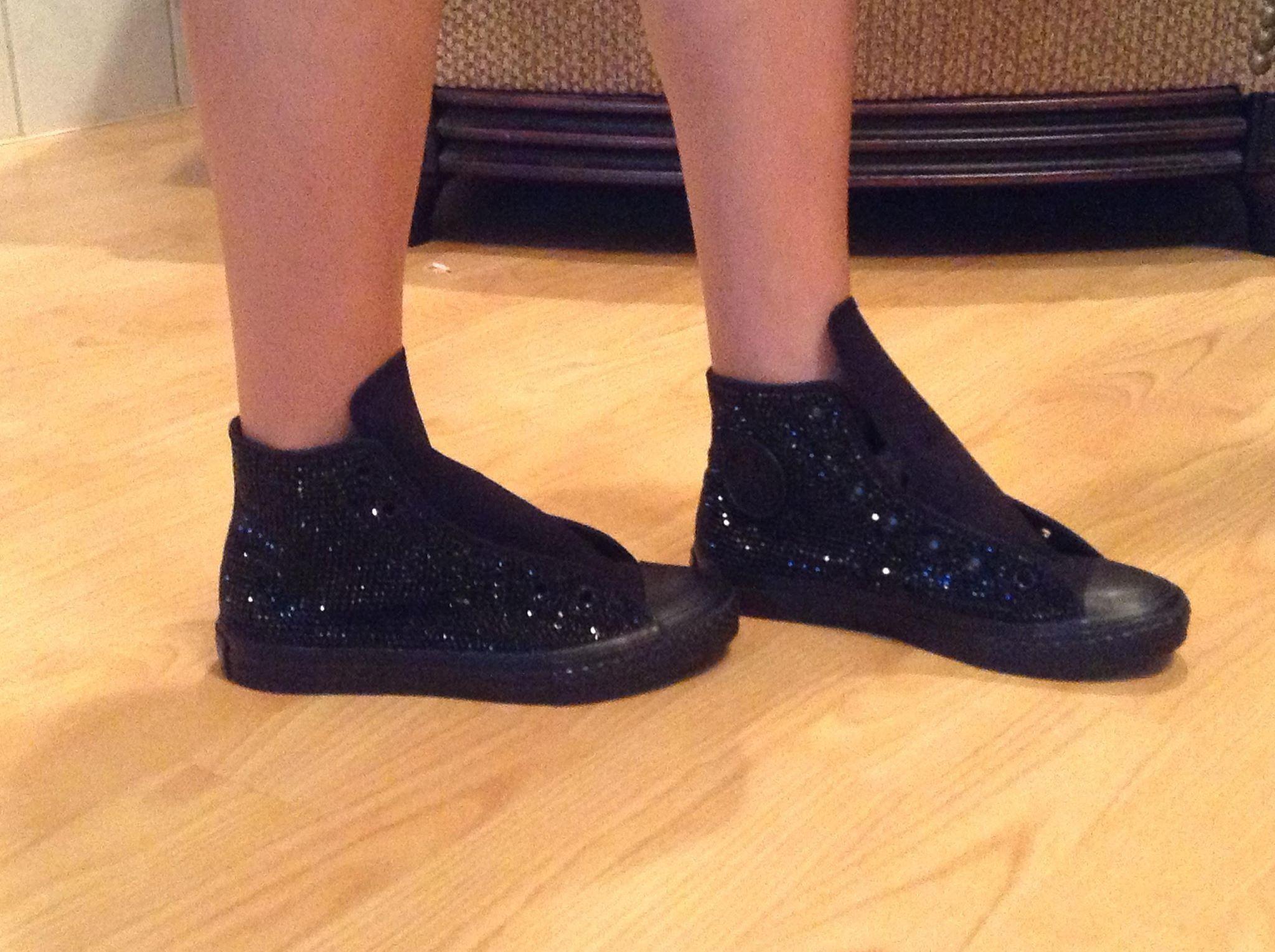 black converse with black laces