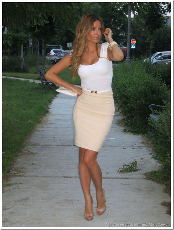 fbf7c8451b Elisabetta Franchi skirt and belt