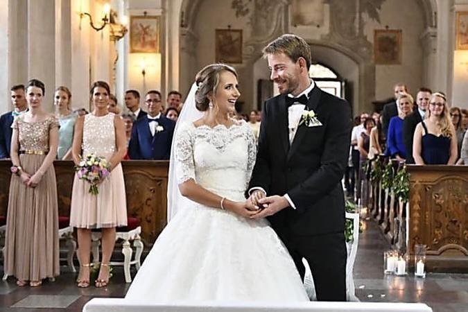 Anna Gerald Die Ersten Bilder Von Der Traum Hochzeit Kohlrabisuppe Mandelkrokant Hackfleisch