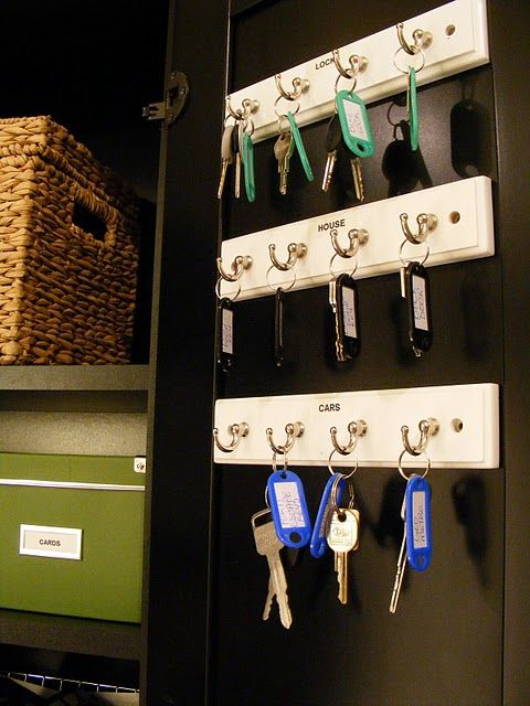 Iheart Organizing Reader Space Ashli S Organized Lovely Manor Key Organizer Organization Storage And Organization