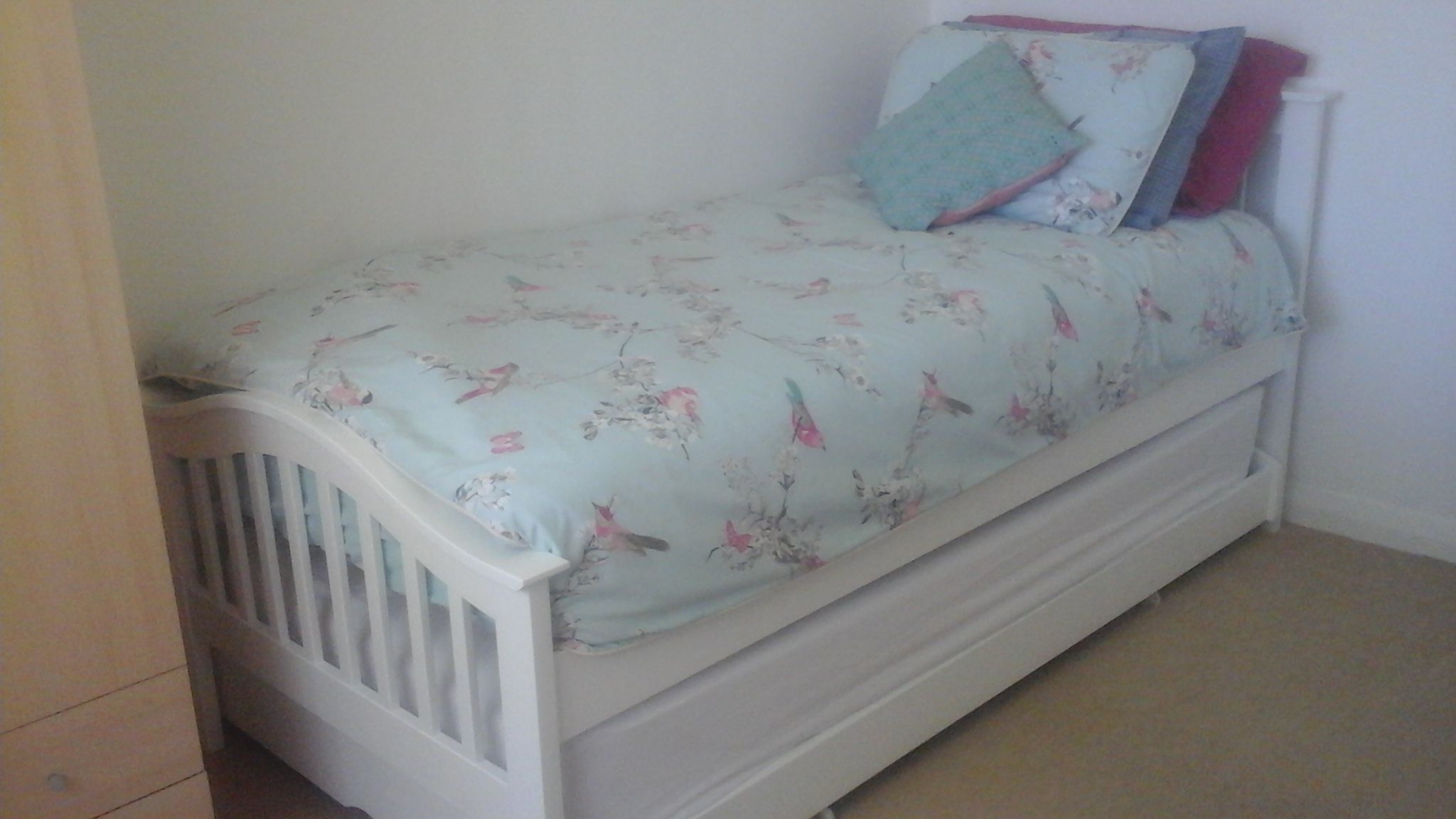 Chelsea White Solid Wood Guest Bed 3ft Single Guest