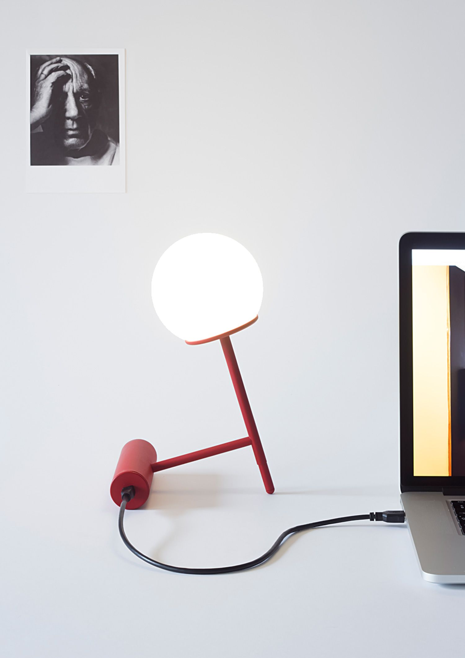 Phare portable lamp by Stanislaw Czarnocki | http://www.yellowtrace.com.au/imm-cologne-2016-pure-talents-contest/