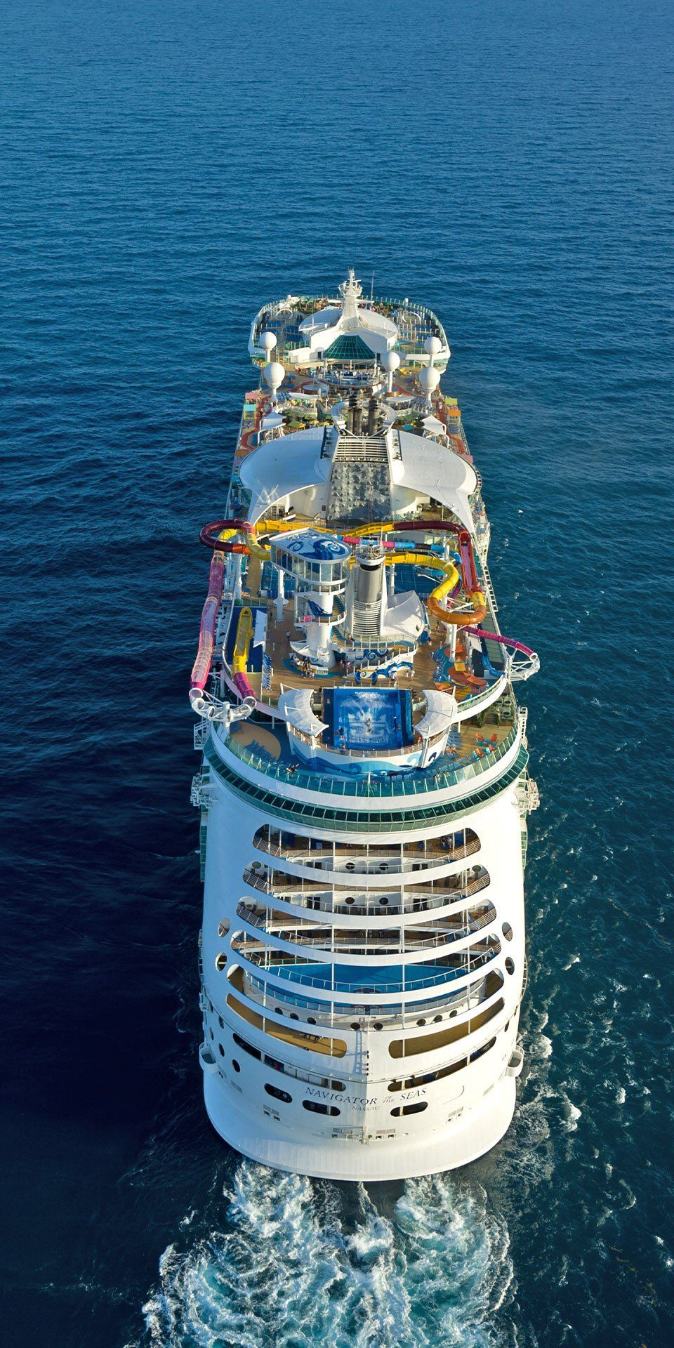 Navigator Of The Seas Worth A Triple Take Navigator Of The Seas Leaves A Lasting Impression With Recor Navigator Of The Seas Biggest Cruise Ship Cruise Ship