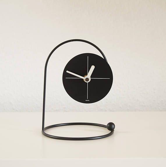 Schreibtisch vintage schwarz  Tischuhr. Postmodernes Design. 80er Jahre Uhr. Modernist ...