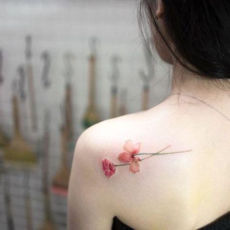 Tatuagens Femininas No Ombro Colorida
