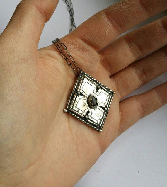 Sterling Silver Gears Of War Locust Necklace Gears By Newerajewels