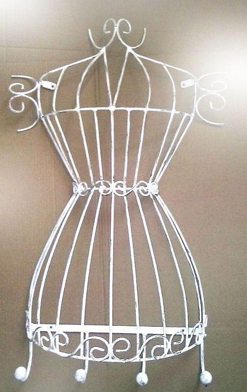 2febce388 Busto de manequim aramado em ferro escultura