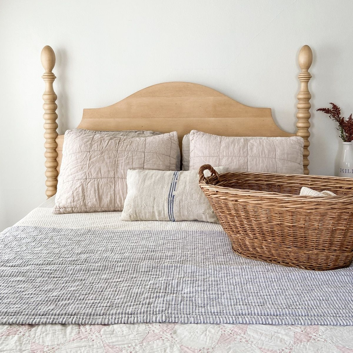 French Farm Spindle Headboard in 2020 Spindle bed, Bed