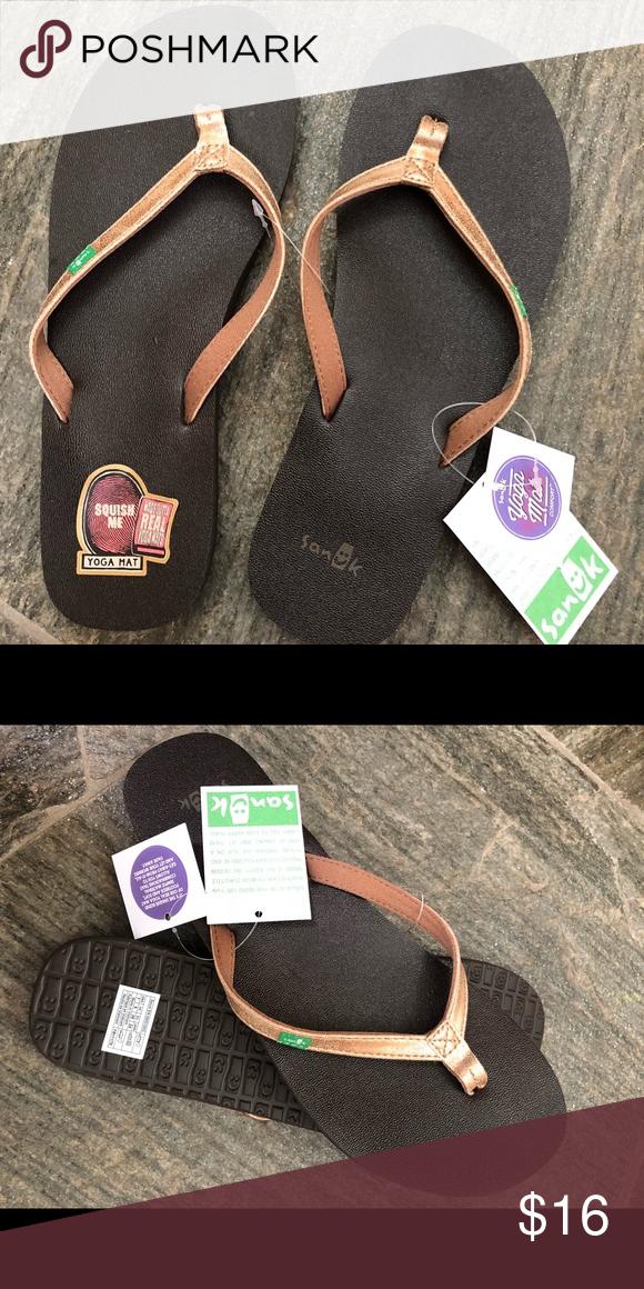 NEW Sanuk Yoga Joy Metallic flip flops
