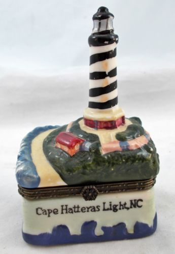 Vintage-CAPE-HATTERAS-LIGHT-NC-Trinket-Box-Hinged-Top-S10