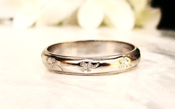 Vintage Four Leaf Clover Wedding Band 14K White Gold Unisex Wedding