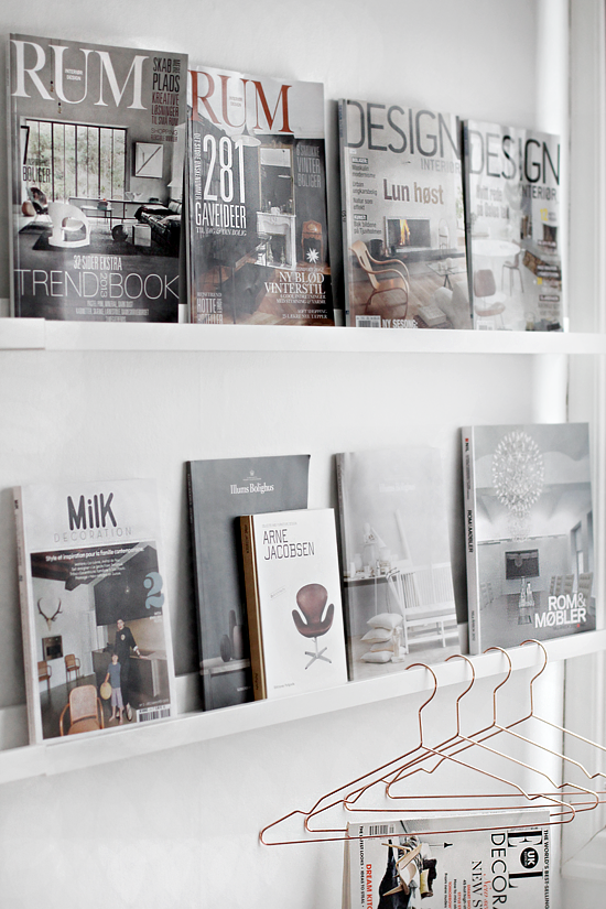 workspace mag shelving stylizimo blog interiors. Black Bedroom Furniture Sets. Home Design Ideas