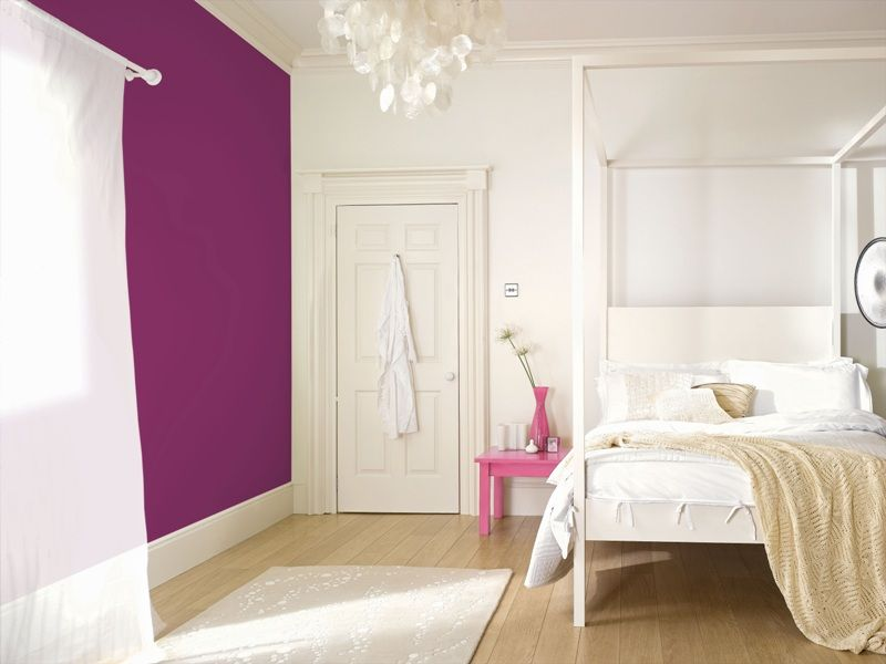 Purple and white bedroom painted with crown feature wall - Purple feature wall living room ideas ...