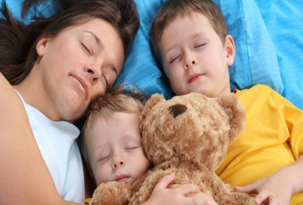 Should Kids Sleep on the Same Mattress as Parents? Kids