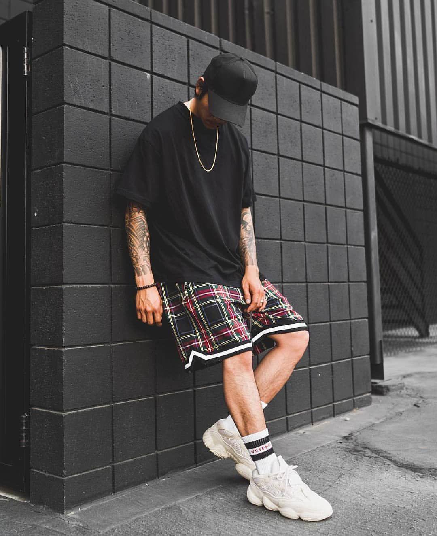 Tartan shorts 👌🏽 Yeezy 500 w