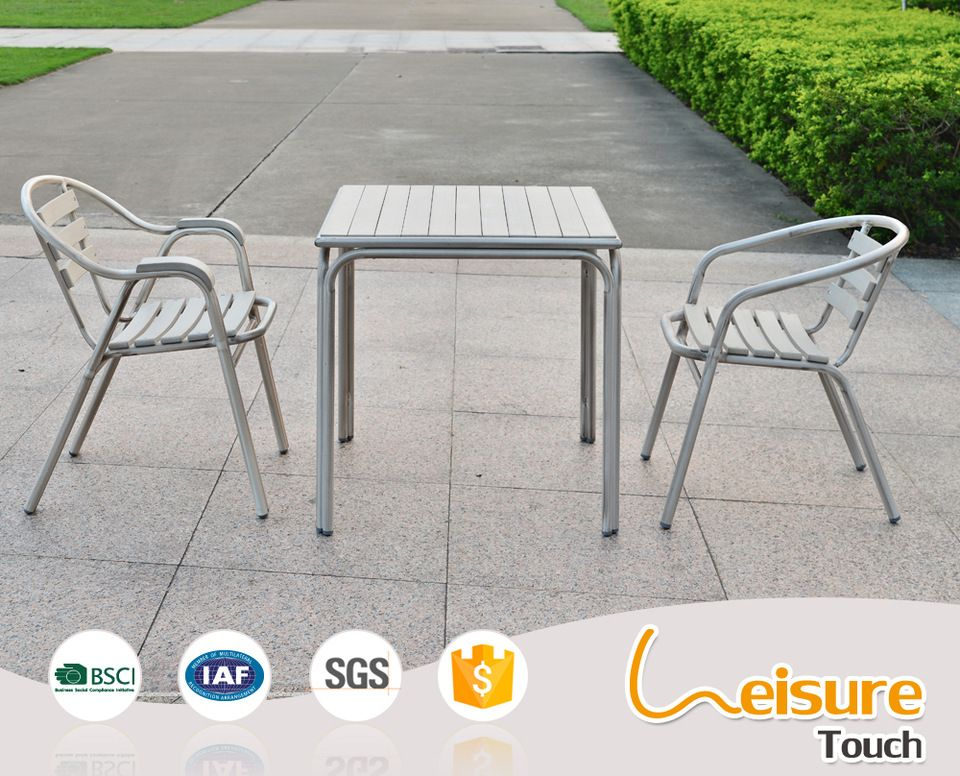 Customized Guangdong Outdoor Patio Furniture Paito Table And