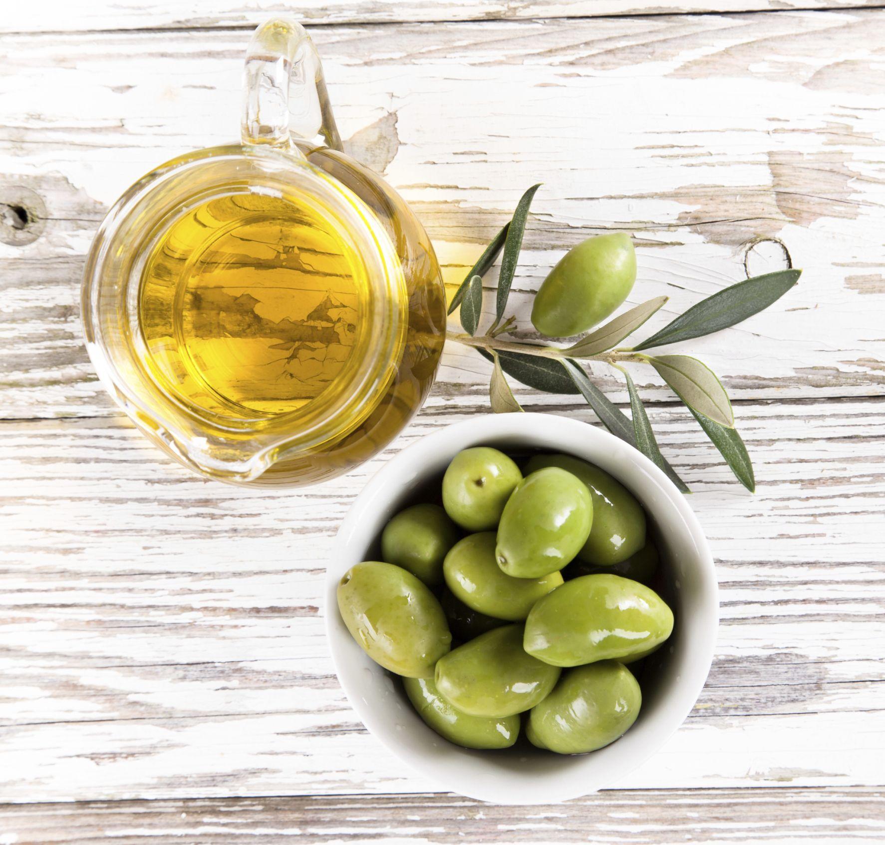 De voordelen van olijfolie! #vitamines #cholesterolvermindering #anti-aging #gezond Lees ze op Gezond.be: http://www.gezond.be/de-voordelen-van-olijfolie/