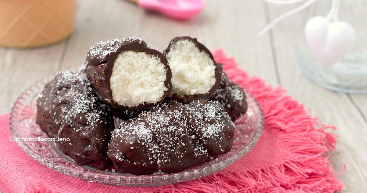 I gelatini al cocco sono davvero favolosi, cremosi, profumati, veloci e facilissimi da fare, servono solamente 4 ingredienti!
