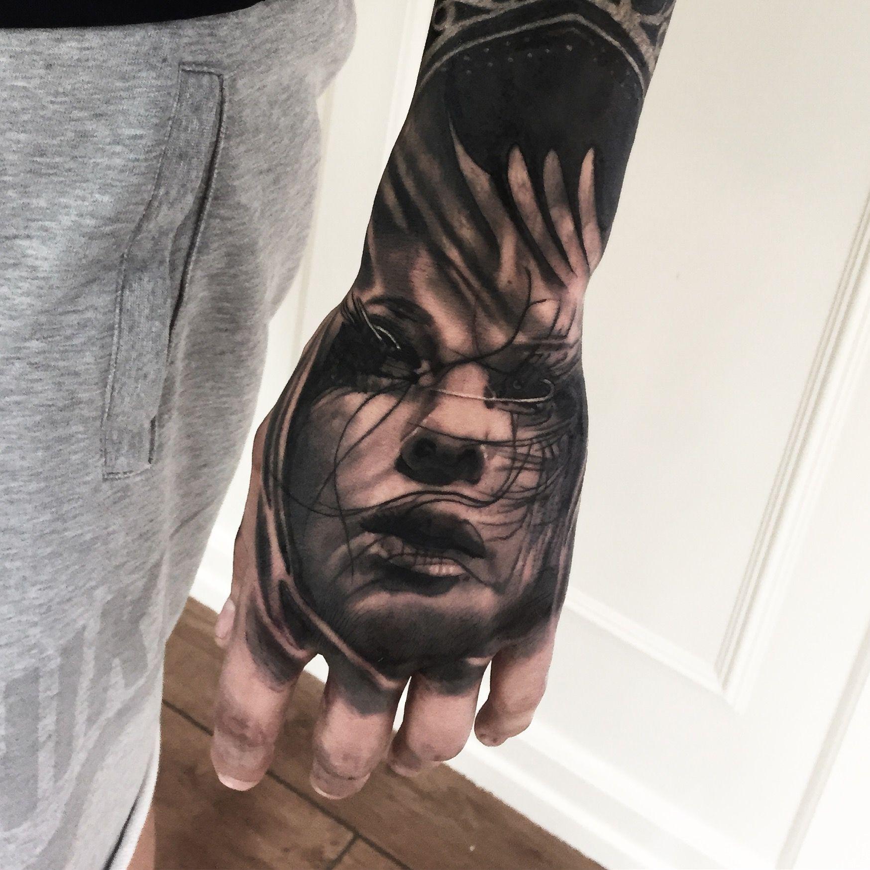 handtattoo realism realistic tattoos mark wosgerau amazing ...