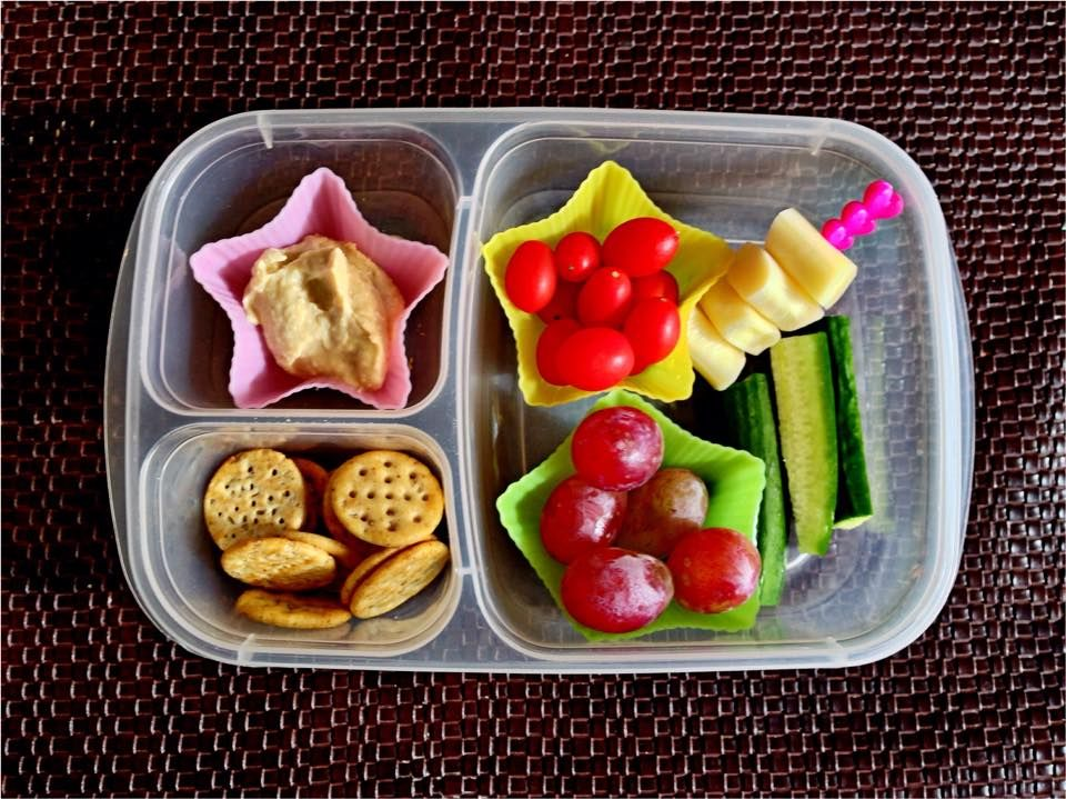 Super Star Lunch With Hummus Crackers Tomatoes Grapes