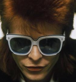 Bowie rocking his favorite Emmanuelle Kahn shades