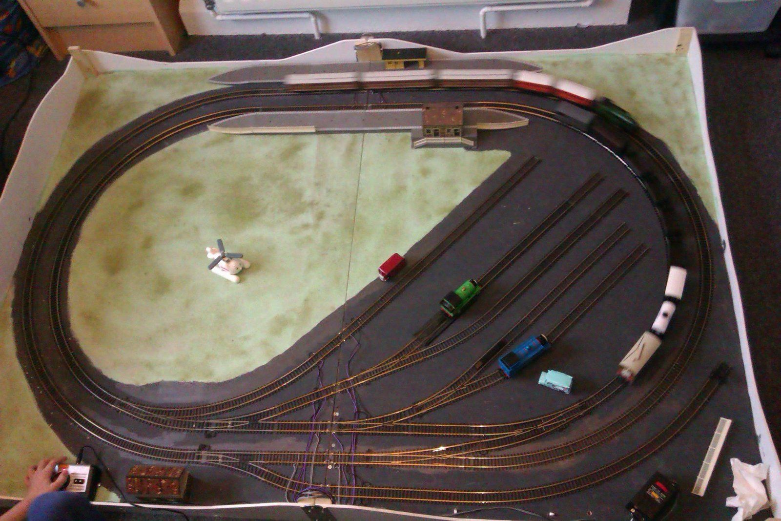 neat compact train layout Michael's Model Railways: Train