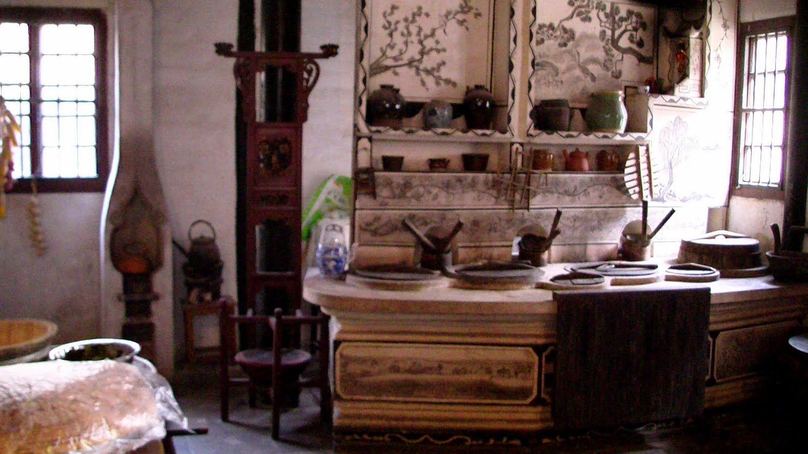 Traditional Chinese kitchen | Restaurant in 2019 ... on saltbox kitchen ideas, exotic kitchen ideas, high gloss black kitchen ideas, craft kitchen ideas, retro kitchen ideas, vintage small kitchen ideas, pewter kitchen ideas, rustic kitchen ideas, fiesta kitchen ideas, glass kitchen ideas, mahogany kitchen ideas, italy kitchen ideas, country kitchen ideas, california kitchen ideas, pine kitchen ideas, furniture kitchen ideas, chinese kitchen ideas, stained kitchen ideas, easy install kitchen backsplash ideas, outdated kitchen ideas,