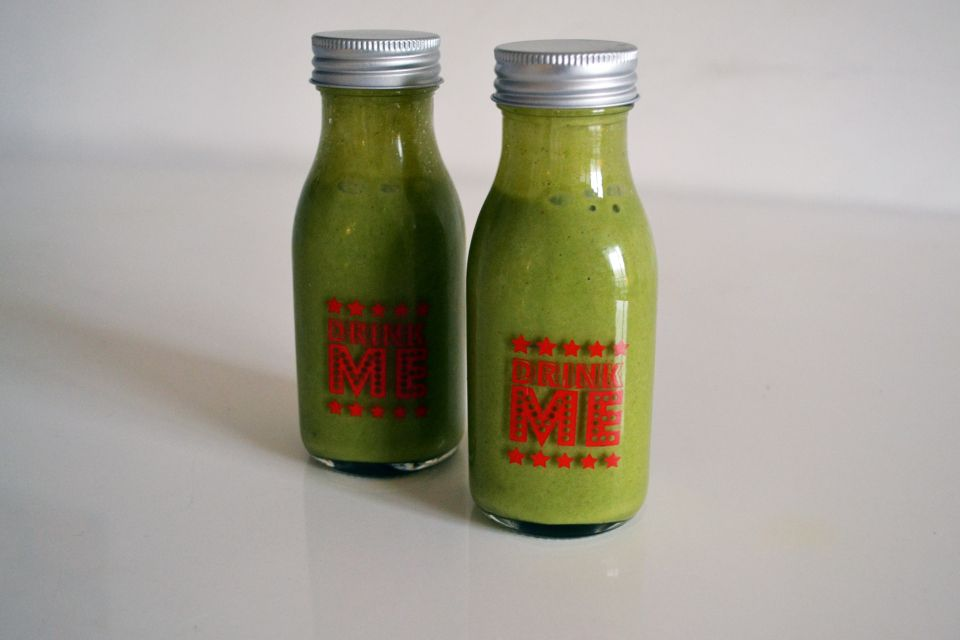 Oh She Glows Green Monster smoothies in vegan recipe book review on The Monochromes