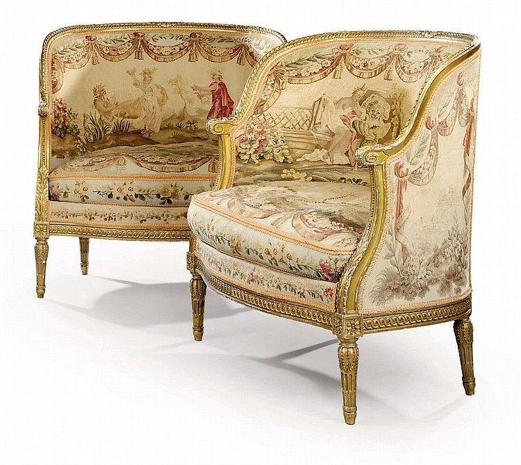 A Pair Of French Giltwood And Aubusson Tapestry Small Canapes Klasik Dekorasyon Mobilya Klasik