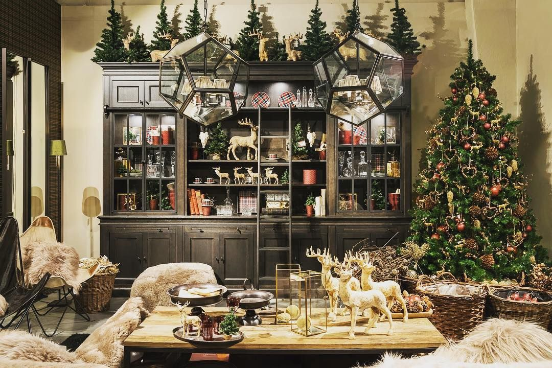 Good evening IG 😘 #christmas #christmasparty #christmastree #christmasiscoming #decoration #deco #slotsdecoration #goodevening #friday #happyweekend #wedecorateyourchristmas #november #interiordesign #interiorstyling #interior #interiordecor #homedecor #homedesign #home #welcomehome