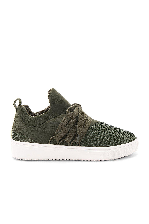 Steve Madden Lancer Sneaker in Olive