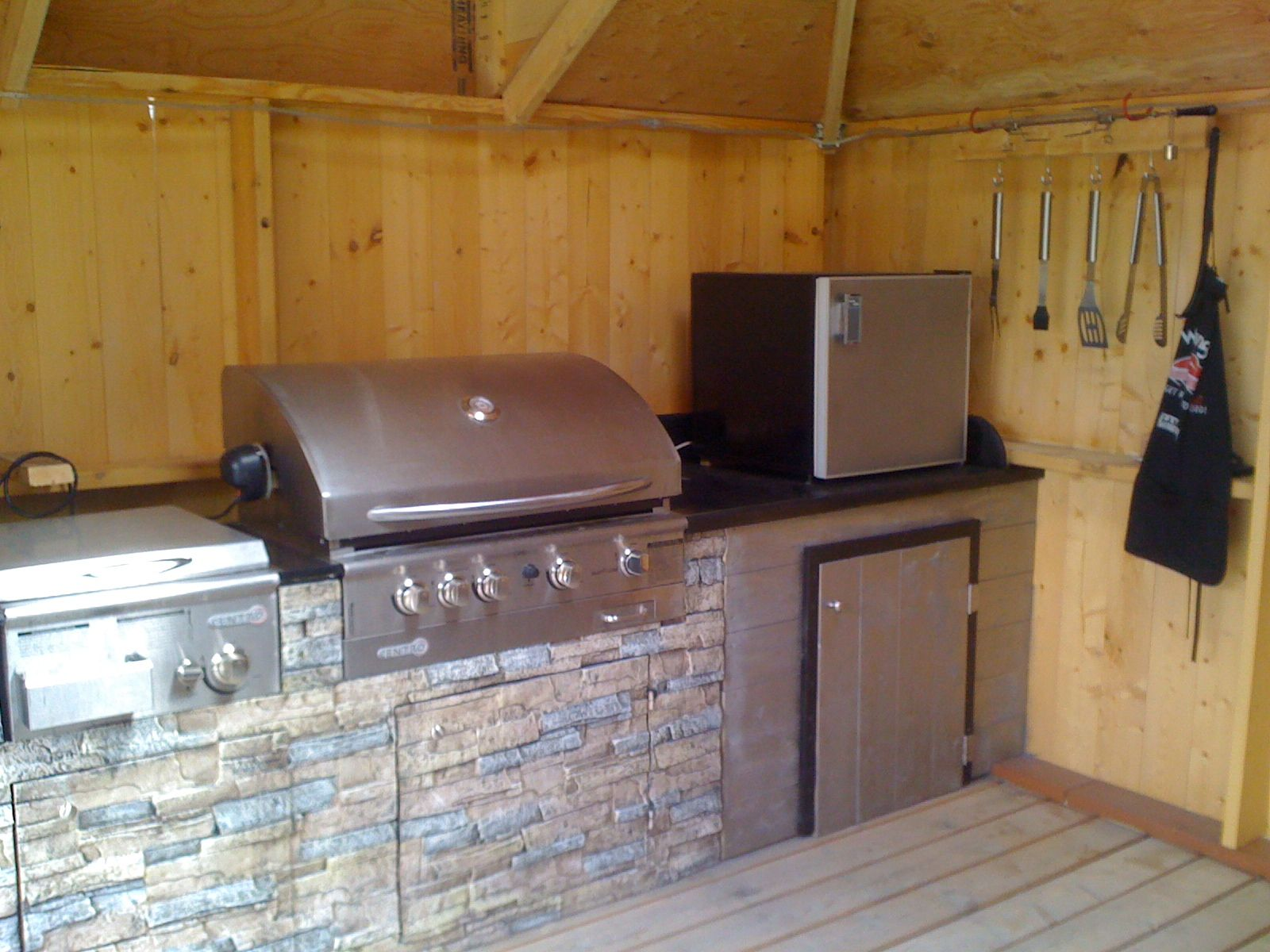 Here 39 S A Outdoor Kitchen Inside A Three Sided Gazebo With A Skylight And Two Exhaust Fans