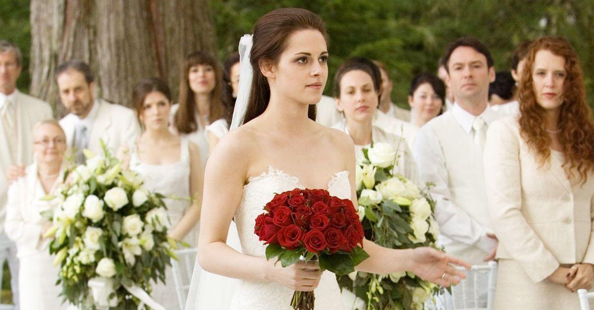 Bella S Swan S Nightmare Wedding Dress Twilight Wedding Twilight Wedding Dresses Wedding Dresses