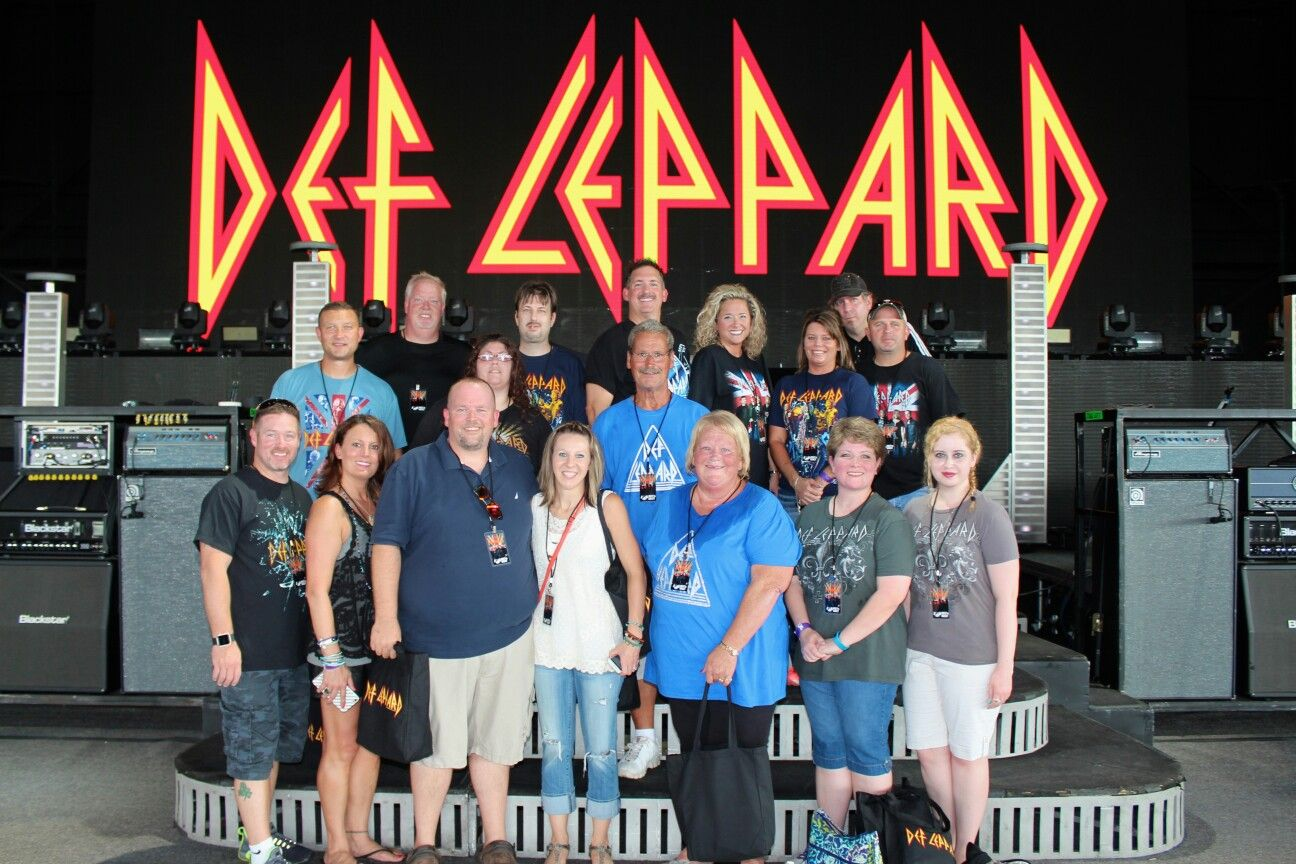 2016 St Louis Concert On Stage 2016 Def Leppard Meet And Greet