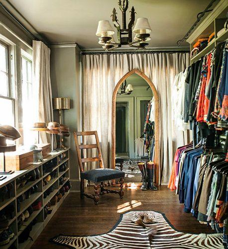 la garde robe id ale des 50 ans et femmes apres. Black Bedroom Furniture Sets. Home Design Ideas