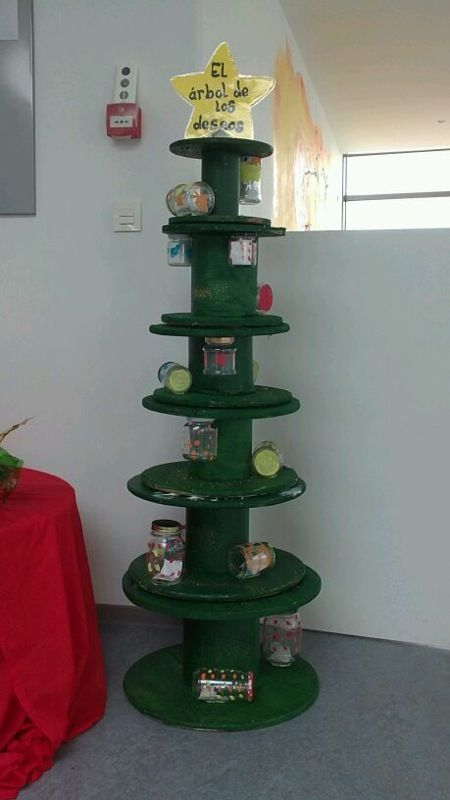 193 Rbol De Navidad Con Carretes De Cable Y Botes De Cristal
