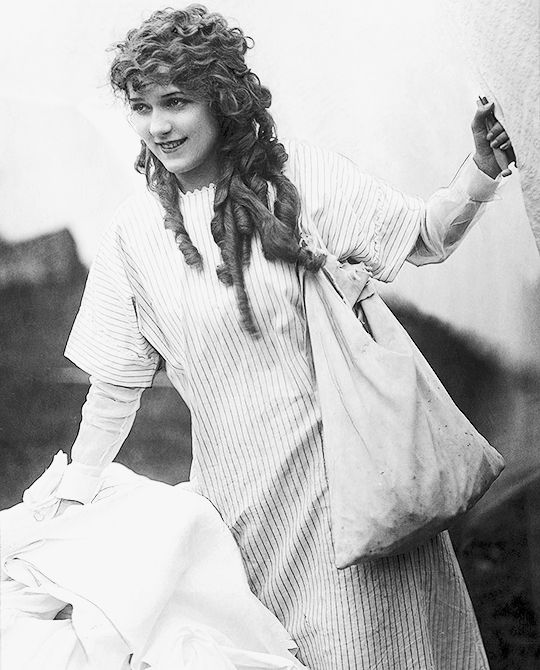 deforest: Mary Pickford, 1920s … | Pinteres…