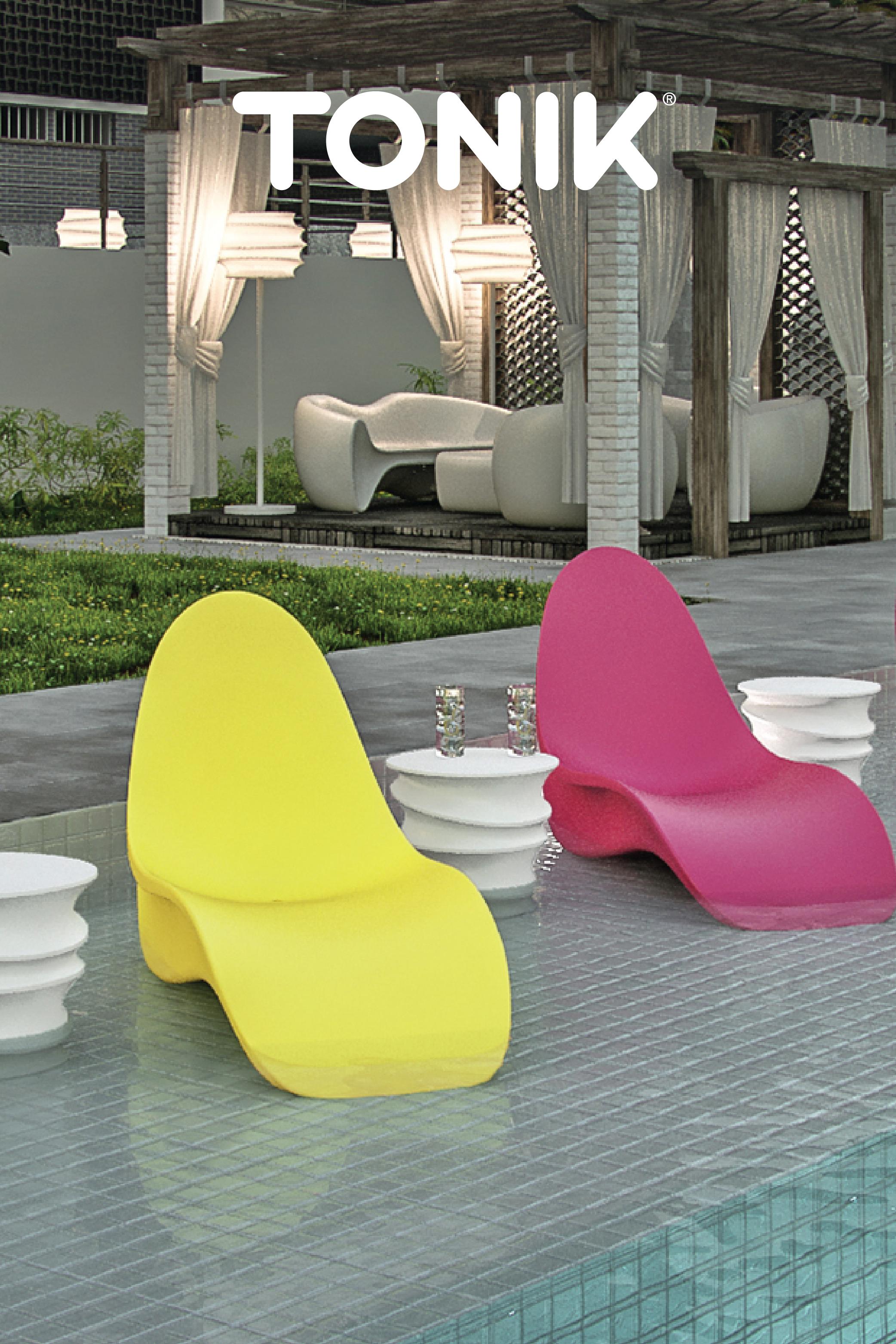 Bikini Lounger | Modern Poolside Lounge Chair | Tonik in ...